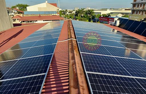 Lắp đặt pin năng lượng mặt trời hộ gia đình uy tín